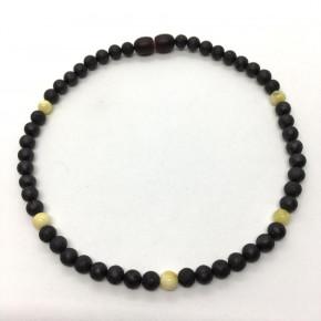 Siyah ve Limon Renk Tam Yuvarlak Kesim Mat Kehribar Bebek Kolyesi Model 0068